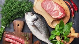 Ограничение поставок мяса и рыбы 5 предприятий Казахстана в Омскую область