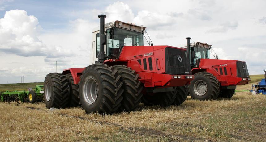 В Казахстане запустят производство тракторов Кировец
