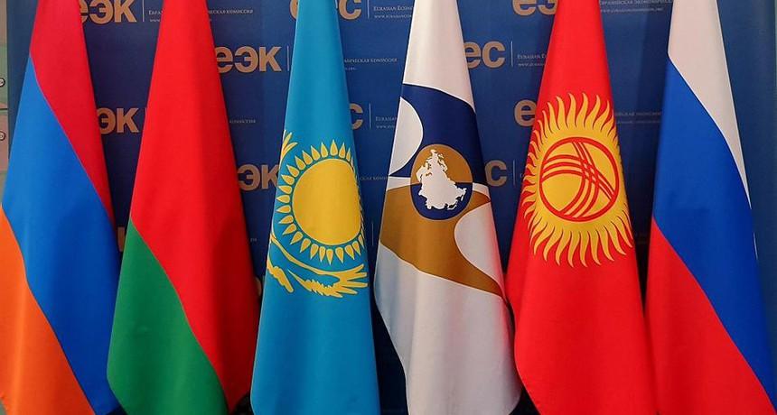 Торговля Республики Казахстан со странами ЕАЭС снизилась на 9,6%